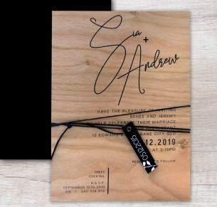 Printed on wood! Berlin wedding invitation